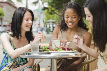 Healthy Lunch Options When Eating Out