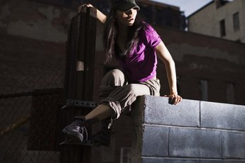 How to Strengthen the Arms and Legs for Parkour