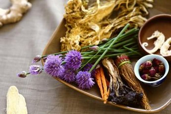 Holistic nursing often draws on herbal remedies and other traditional medicine.