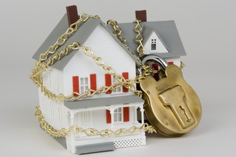 Penalty for Not Claiming Your Foreclosure on Your Federal Taxes