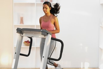 Treadmill Exercises for a Flat Stomach