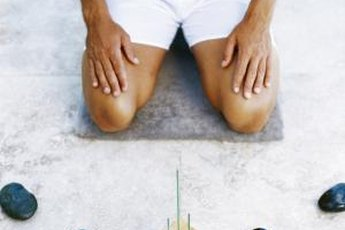 You can use one of several non-expensive options to tighten skin on your stomach and knees.