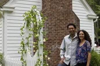 A home with a white picket fence may be a long-term dream, but several short-term solutions provide functional, inexpensive fencing.