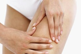Thigh pain from running can represent simple soreness or a muscle tear.