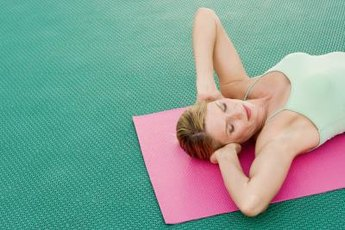 Lower abdominal exercises contribute to a flat belly.