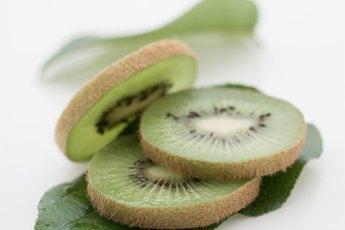 Are Green Kiwi Fruit & Gold Kiwi Fruit Nutritionally the Same?