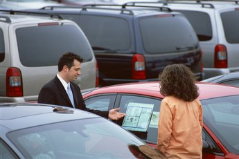 Tips on Buying a Car From a Rental Agency