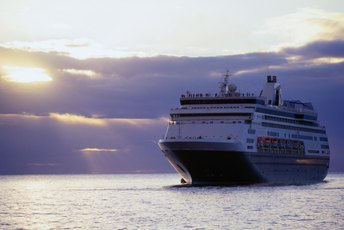 How to Apply for Jobs With Cruise Lines