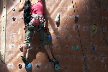Strengthening Arms & Fingers With Climbing