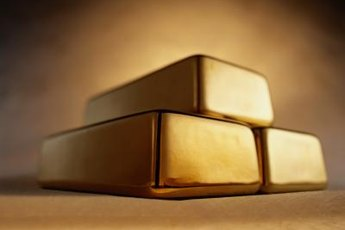 Gold is a safer choice than stocks in an economic downturn.