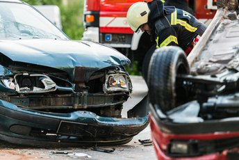 Can I Buy a New Car With the Money From a Totaled Insurance Check?