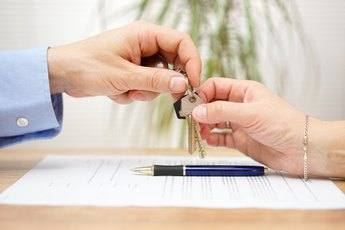 What Happens on the Closing Date for a Mortgage?