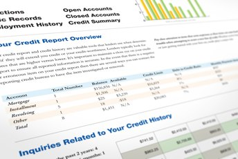 How Do I Remove Derogatory Credit Remarks From a Credit Rating?