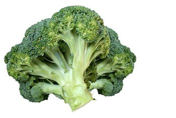 Raw or lightly steamed broccoli is high in nutrients and low in carbs.