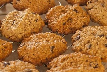 Oatmeal cookies are fiber-rich for healthy digestion.