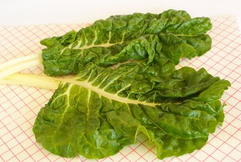 Collards are a good source of dietary fiber.