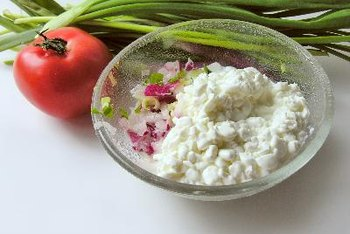Cottage cheese pairs well with other foods.