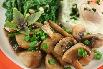 Mushrooms and spinach provide selenium.