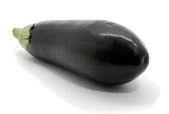 A 1-cup serving of eggplant contains 33 calories.
