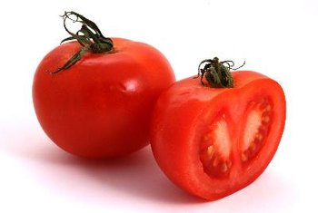 Raw tomatoes contain less bioavailable lycopene than sun-dried tomatoes.