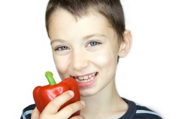 Healthy foods such as fruits and vegetables contain abundant vitamins and minerals beneficial to children's health.