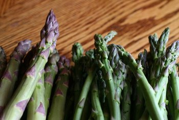 Asparagus is a common food rich in prebiotics.