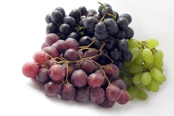 Grapes contain heart-healthy phytonutrients called polyphenols and phenolic acids.