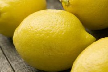 Lemons are ripe when their flesh turns yellow.