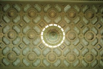 You can illuminate decorative ceiling detail from various angles.