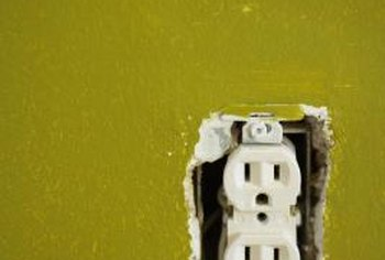 How to Disconnect Back-wiring From a Wall Outlet | Home ... Disconnect Wiring on