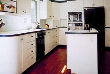 Yellowing cabinets can throw off a contrasting color scheme.