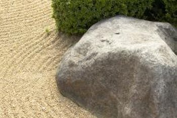 Create faux rocks for your garden from hypertufa.