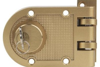 Bon Replace A Deadbolt With One Thatu0027s The Same Size And Style As The Original.