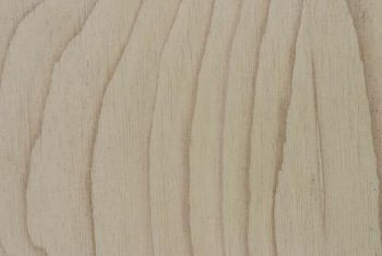 A-grade plywood should have clear grain with a smooth, solid surface.