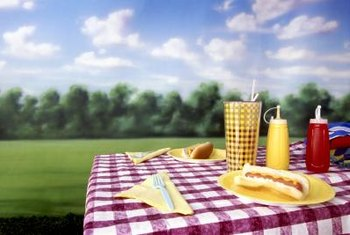 Vinyl tablecloths are ideal for picnics and outdoor use.