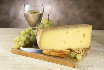 The sweet, delicate flavor of grapes complement cheese and wine.