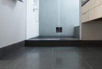 A single-threshold shower base works with an alcove design.