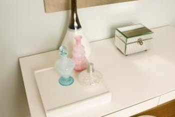 How To Set Up Vanities In Small Bedrooms