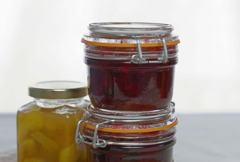 Either liquid or dry pectin can make perfect jams, jellies or preserves.