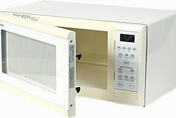 Vinegar helps remove odors from a microwave. : how-to-remove-odors-from-home - designwebi.com