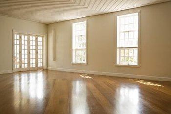 Installing flooring diagonally helps integrate rooms with irregular dimensions.