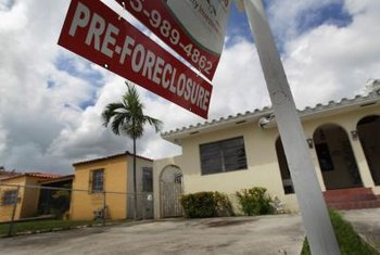 Landlords aren't legally obligated to inform tenants of an impending foreclosure.