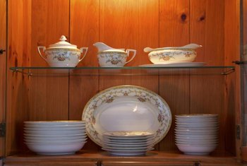 How To Organize Dinnerware In A China Cabinet Display Your Spectacular Pieces On Lighted Shelves Where They Can Be Seen