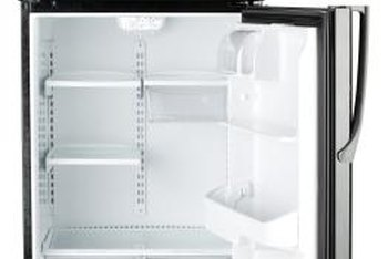 The refrigerator should be completely empty during storage.