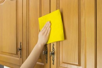 Merveilleux Wipe Dust Away Before Cleaning Cabinets With Oil Soap.