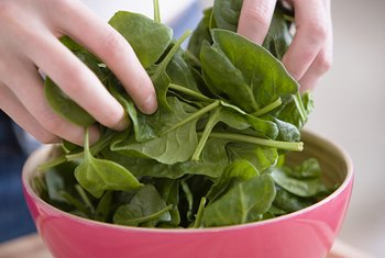 Spinach produces small leaves long before it produces flowers.
