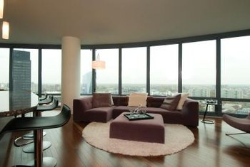 How to Decorate a Living Room With a Large Brown Leather Sectional ...