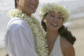 In Hawaii, the fragrant pikake jasmine flowers are used to make leis.