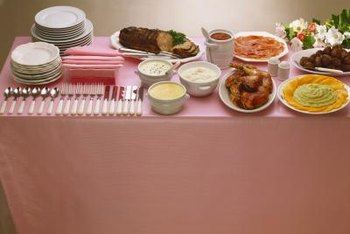 Buffet Tables Should Be Orderly And Attractive