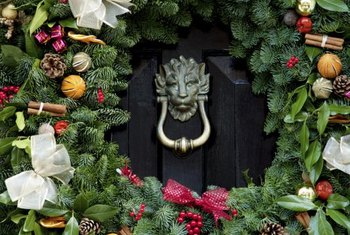 How To Hang Wreaths On Big Front Doors. Smartly Position The Wreath To  Showcase A Nice Knocker.